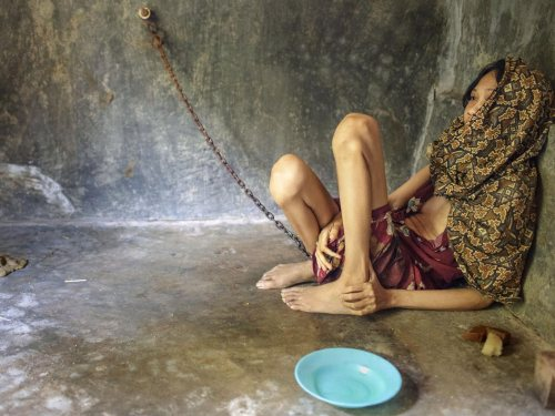 26-woman-chained-Andrea-Star-Reese-500x375